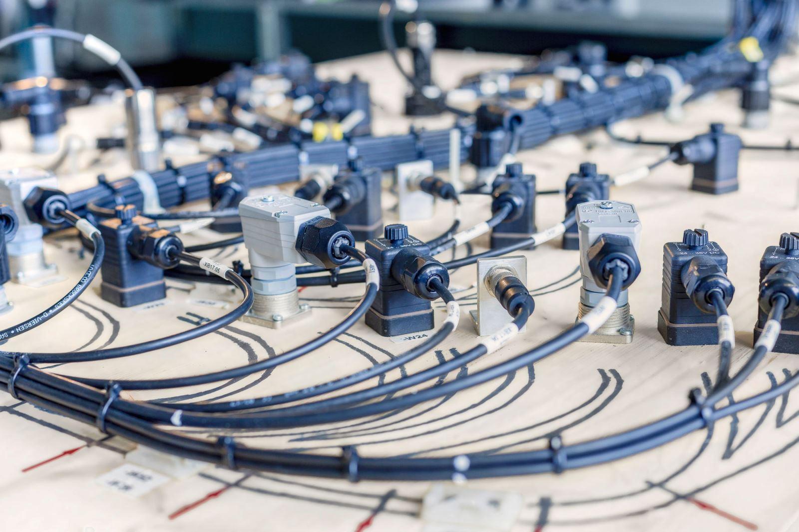 2019-2026年全球电缆组件市场年复?#26174;?.7%