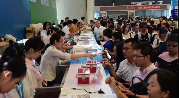 一步拿证锛�cippe振威上海石化展锛�观众线?#31995;?#35760;通道关闭已进入倒计时