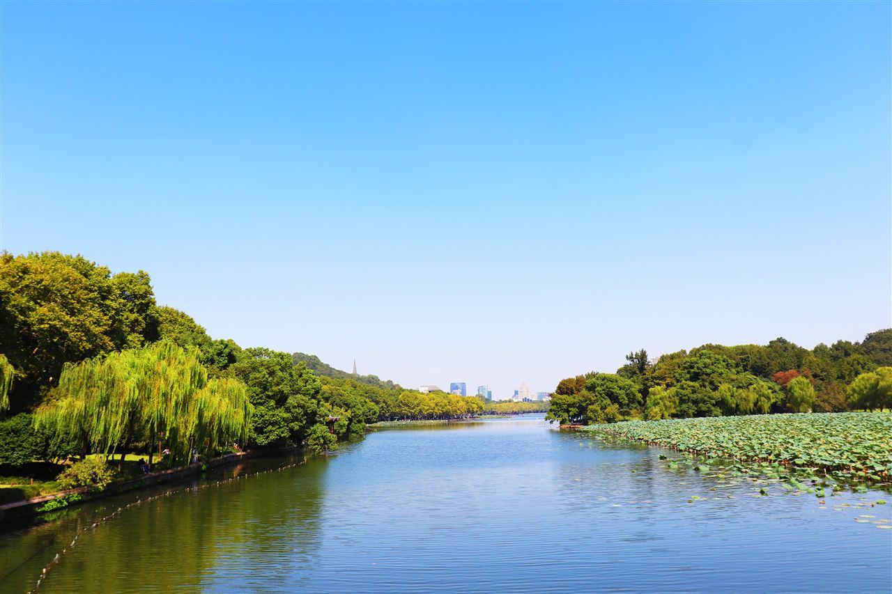 重庆九曲河湿地公园排口水质智慧型监测系统安装完成