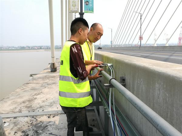 溫濕度傳感器等149個傳感器監測這座橋梁健康數據