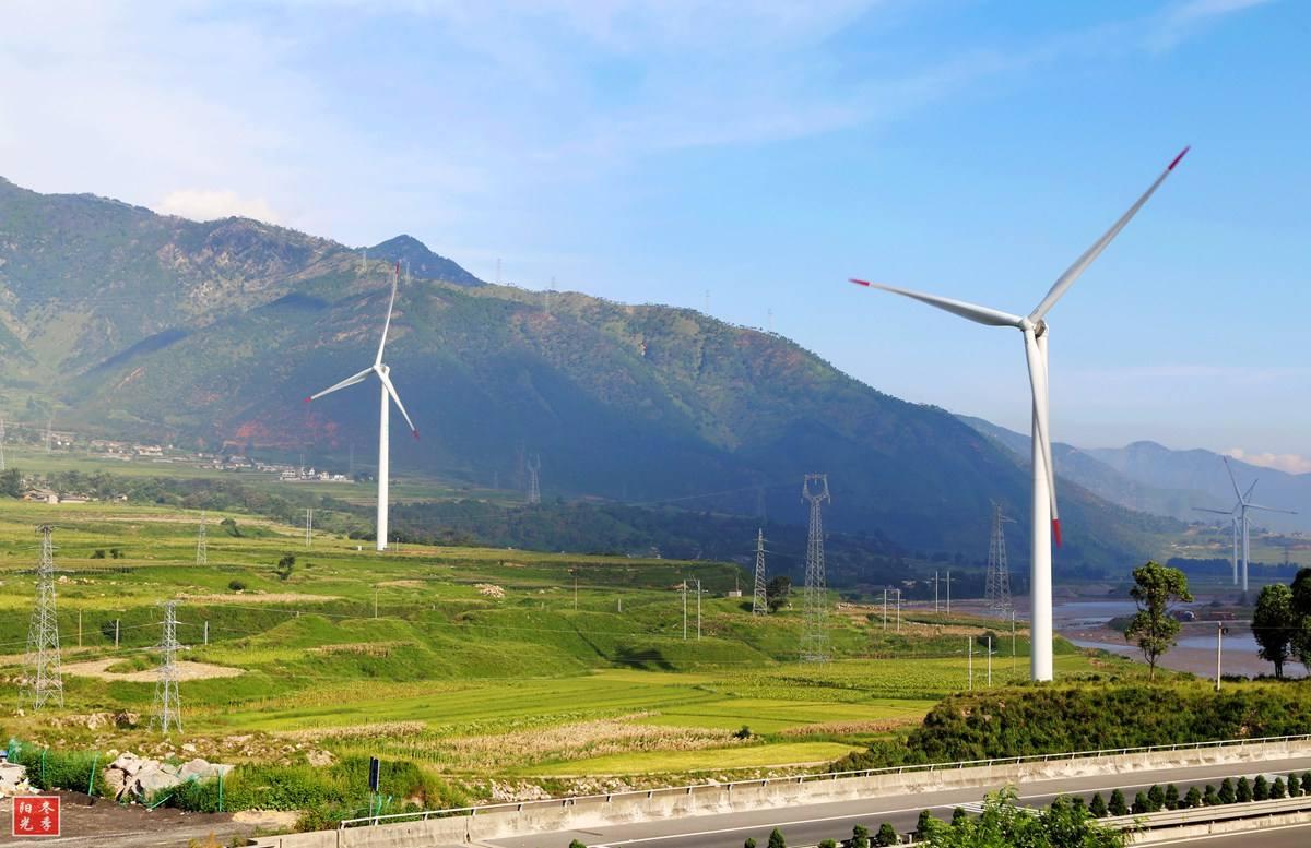 河南澠池鳳凰山風電項目7.2萬千瓦全容量并網發電