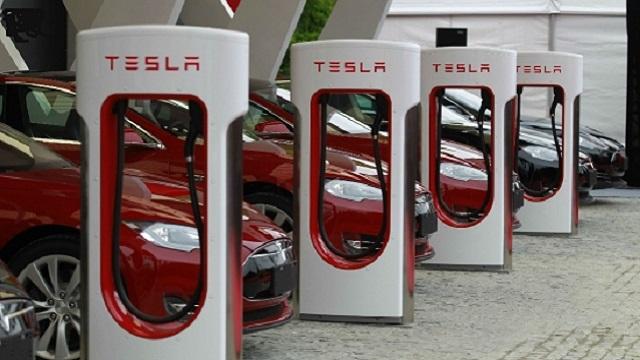特斯拉加快在华充电桩布局 电动汽车跨国出行成为可能